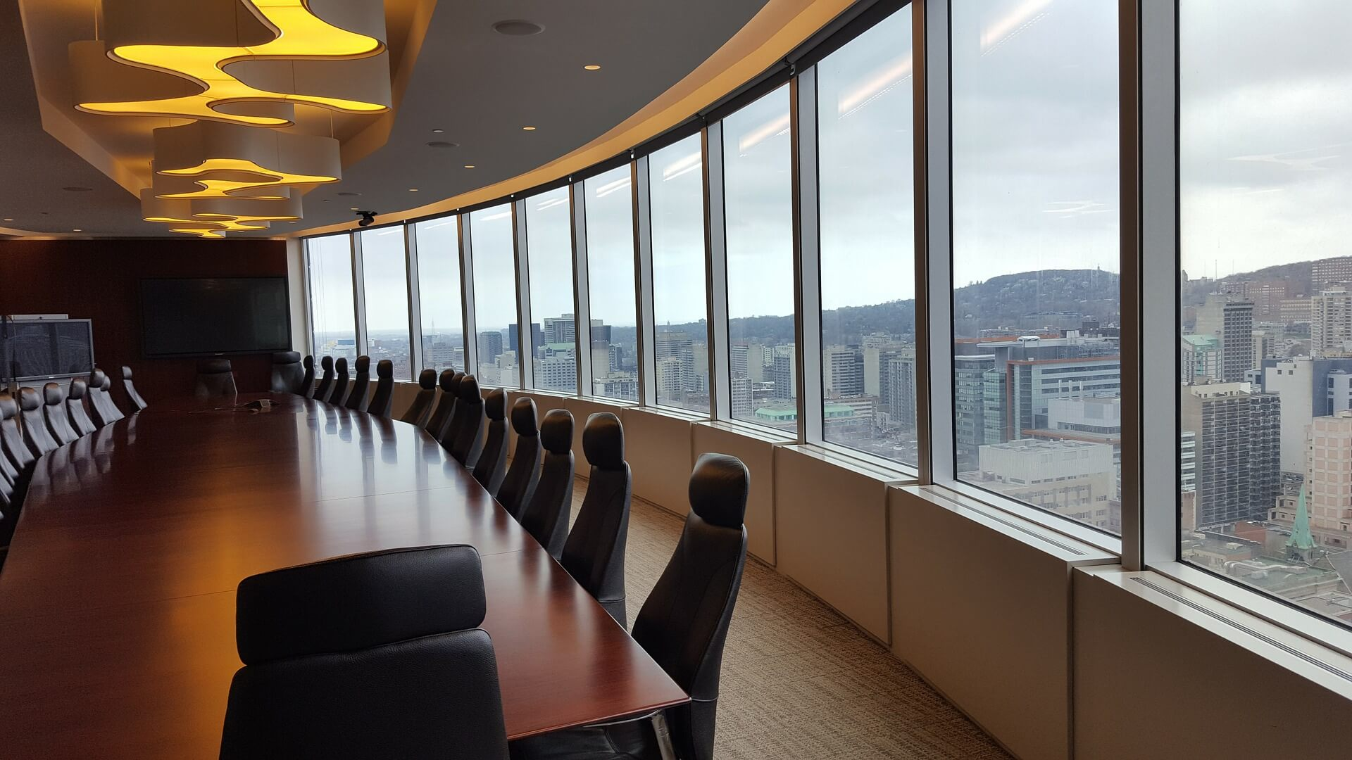 Jeff Jinks Law - Indianapolis Real Estate Attorney - Picture of Boardroom With Window View